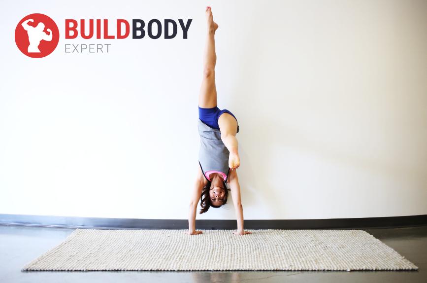 Стойка на руках – впечатляющее силовое упражнение, которое требует чувства баланса
