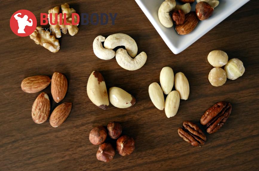 Орехи: миндаль, кешью, грецкие – незаменимый источник растительных жиров