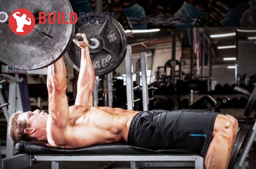 Тяжелые силовые тренировки - отличный способ увеличить силу и нарастить мышечную массу