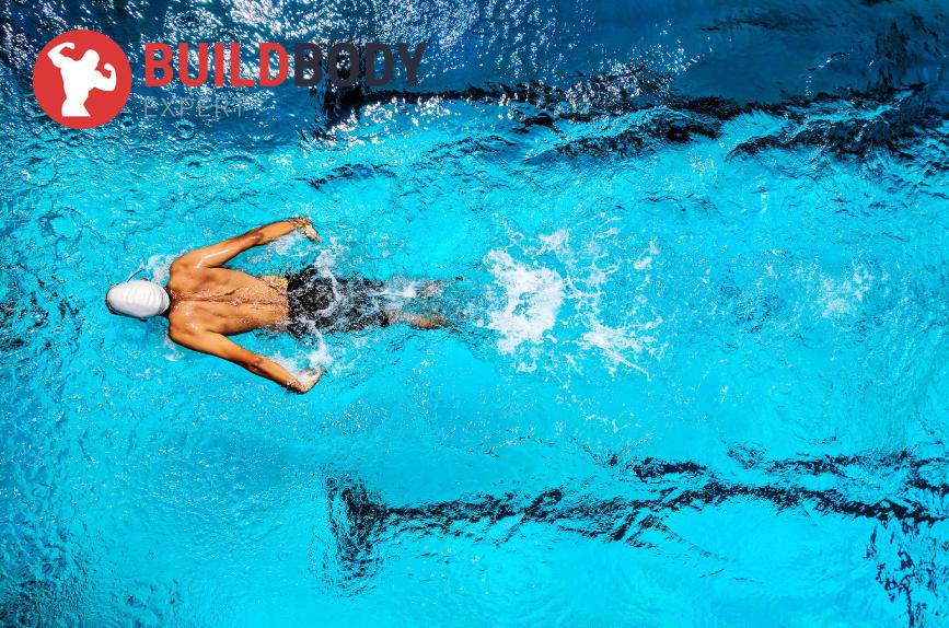плавание – один из лучших видов тренировок, где вы можете укрепить суставы