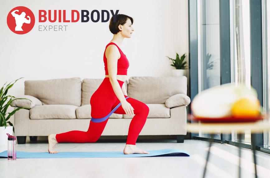 Упражнения для девушек на ноги и ягодицы