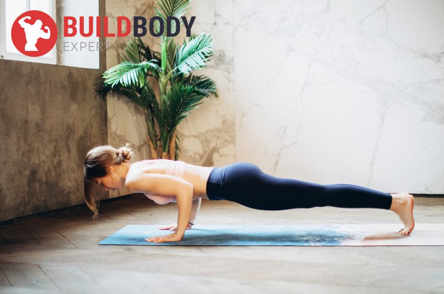 Упражнения для девушек на верх тела