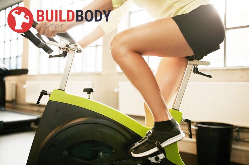 Занятия на велотренажере позволит подтянуть живот, ноги и ягодицы