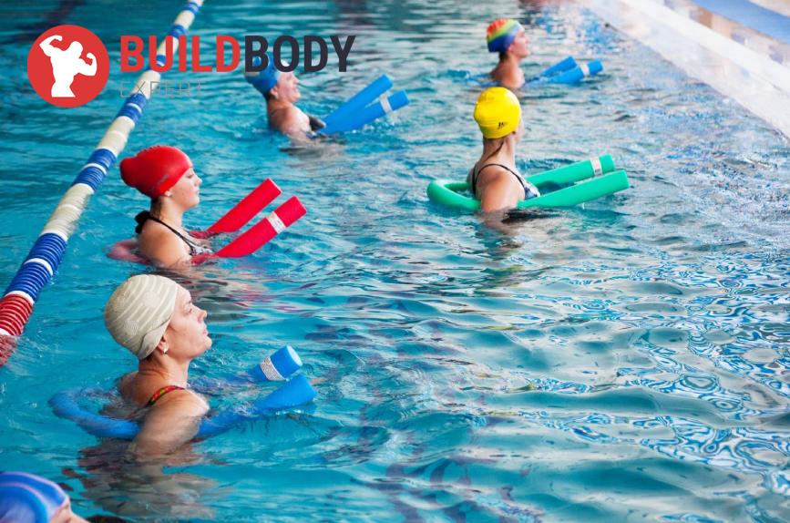 Виды тренировок в бассейне - групповая аквааэробика